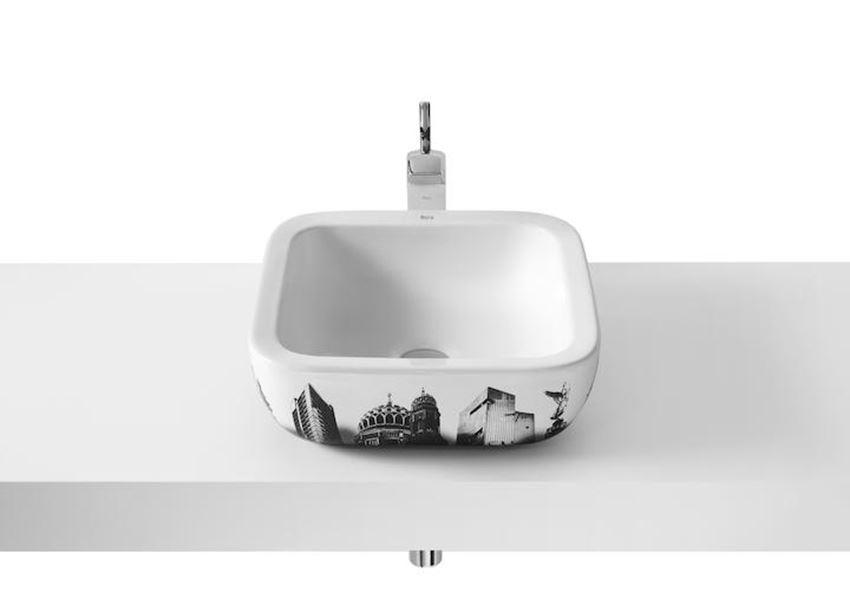 Umywalka nablatowa z grafiką Berlin Roca Urban
