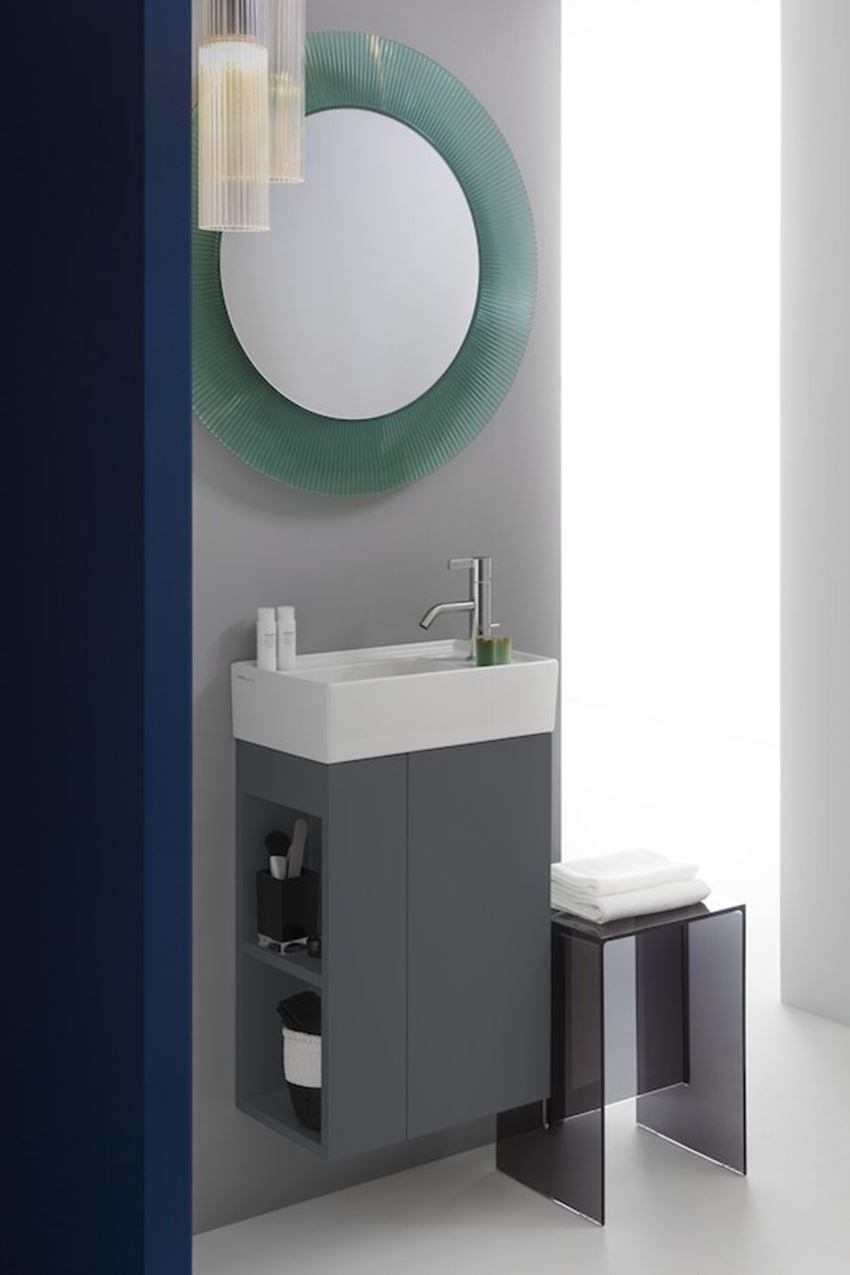 Mała umywalka ścienna/meblowa półka na baterię z prawej strony Laufen Kartell