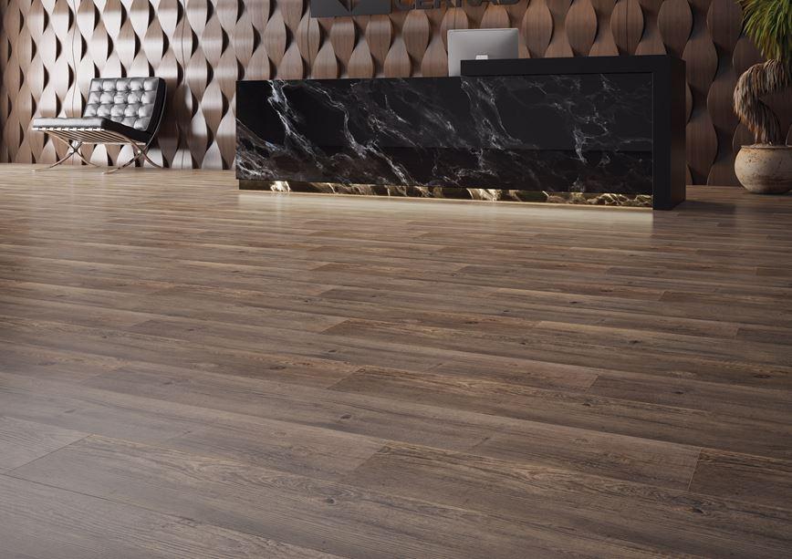 Luksusowa strefa recepcji w ciemnym drewnie
