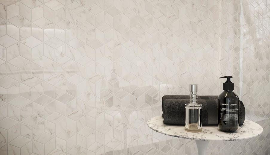 Detal mozaiki ściennej Opoczno Carrara Pulpis