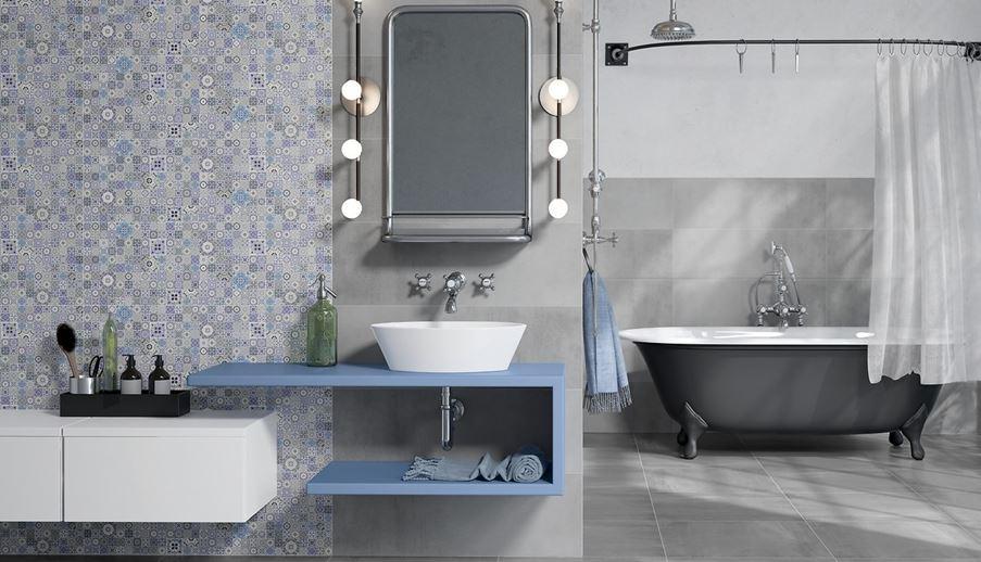Retro łazienka z patchworkowymi dekorami