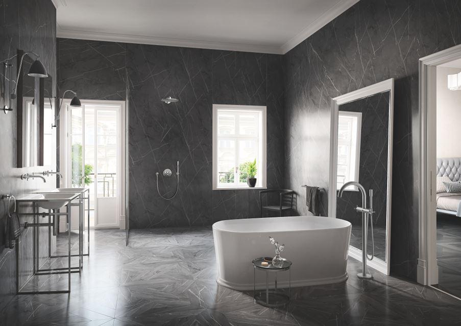 Aranżacja szarej łazienki w stylu glamour