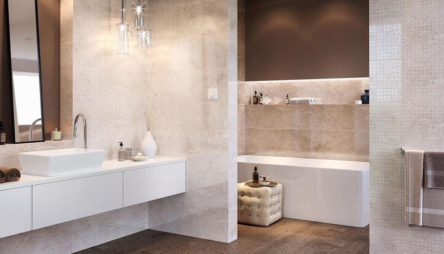 Łazienka glamour z koronkową płytką i marmurem