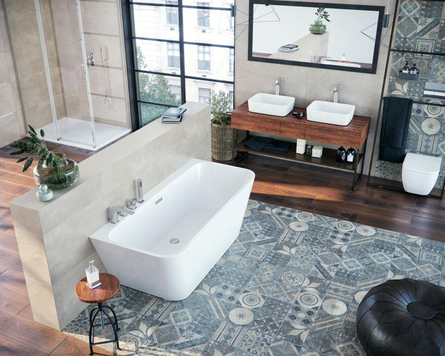 Łazienka z patchworkowymi powierzchniami