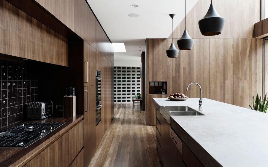 Aranżacja nowoczesnej kuchni w drewnie